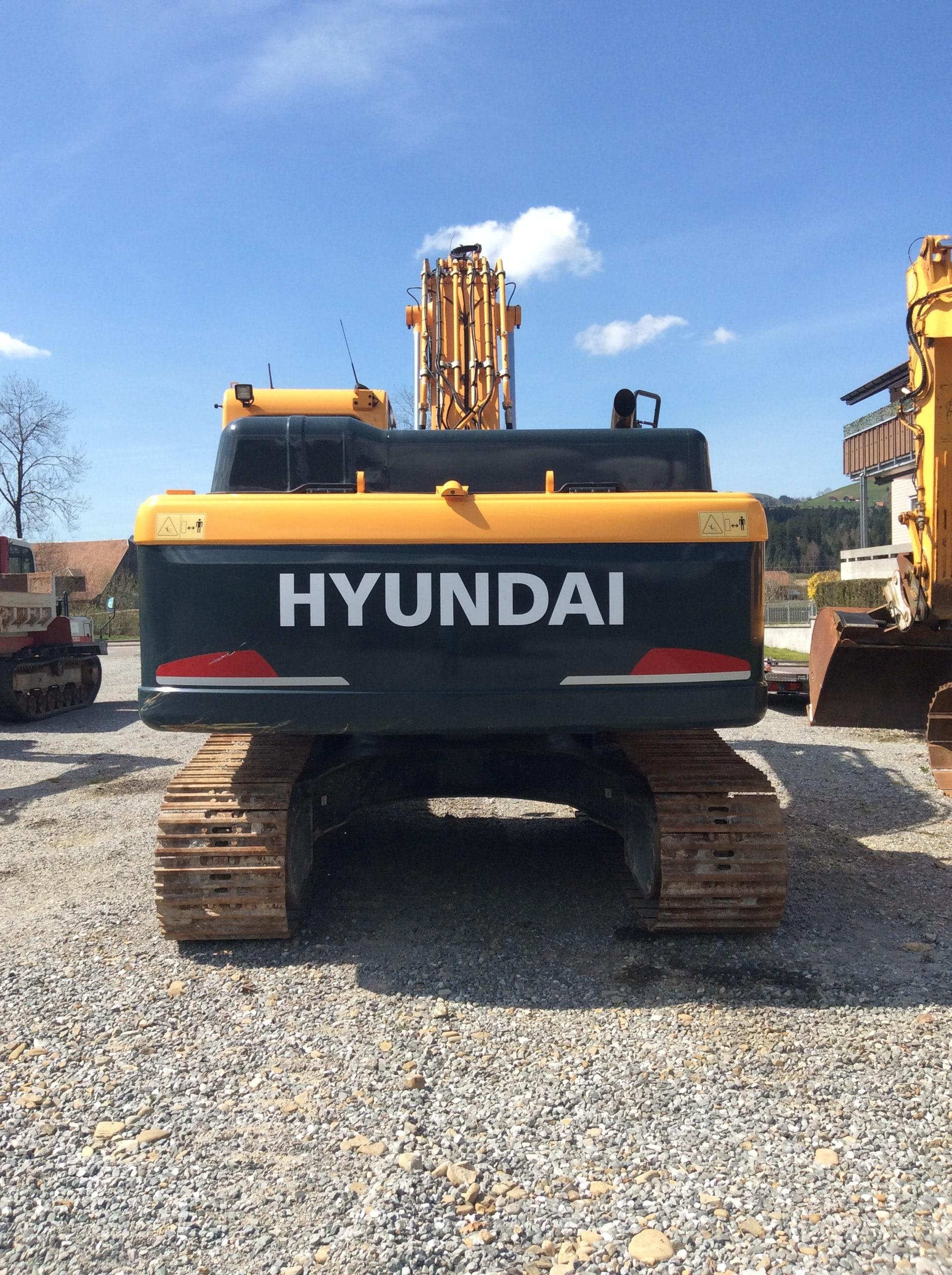 Hyundai 260